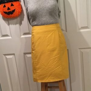 Sunny golden yellow H&M Skirt Sz 6 (Runs small).